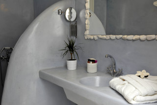 stylish bathroom in Almira villa