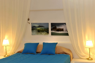 the cozy bed of ammos villa